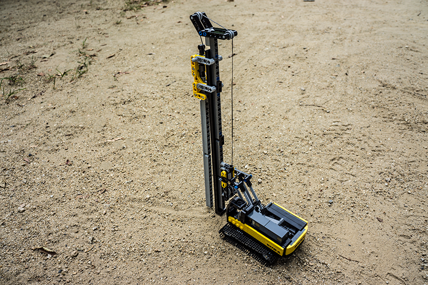 bauen-pile-driving-rig-875b.png